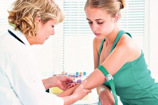 Khi mang thai thực hiện xét nghiệm máu có thể biết được những bệnh gì?