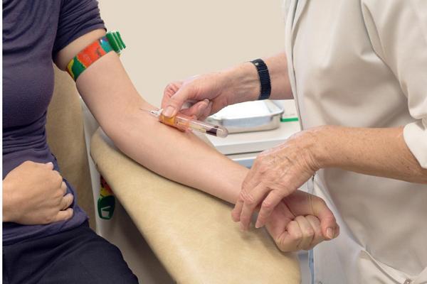 Chi phí xét nghiệm máu sàng lọc trước sinh